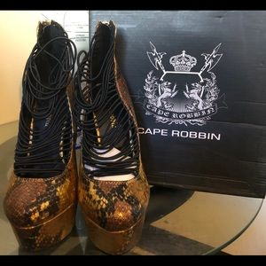 Cape Robbin Women's High Heel Pumps Size 6
